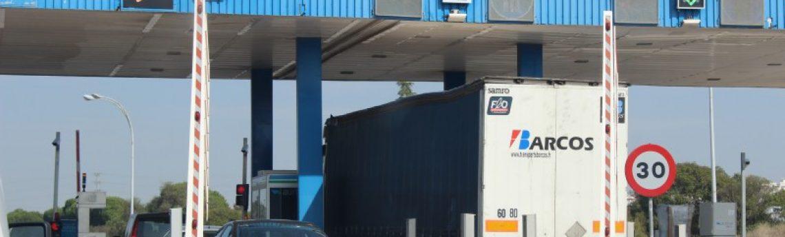 Fomento retrasa la puesta en marcha del Plan de desvío de camiones a las autopistas