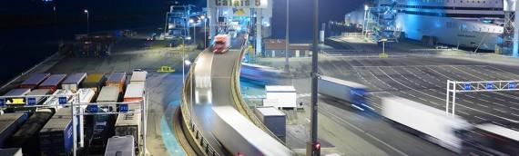 La IRU pide a Francia más seguridad para los transportistas en el puerto de Calais