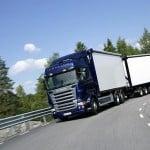 La DGT establece los requisitos para autorizar la circulación de los megacamiones