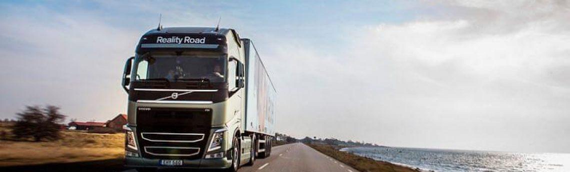 La DGT prepara la norma que rebajará la edad mínima para conducir camiones y autobuses